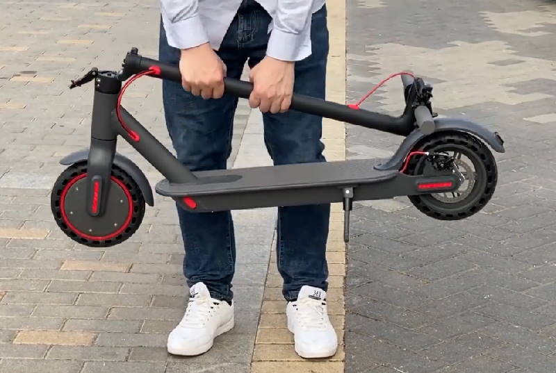 person carrying the Aovo Pro