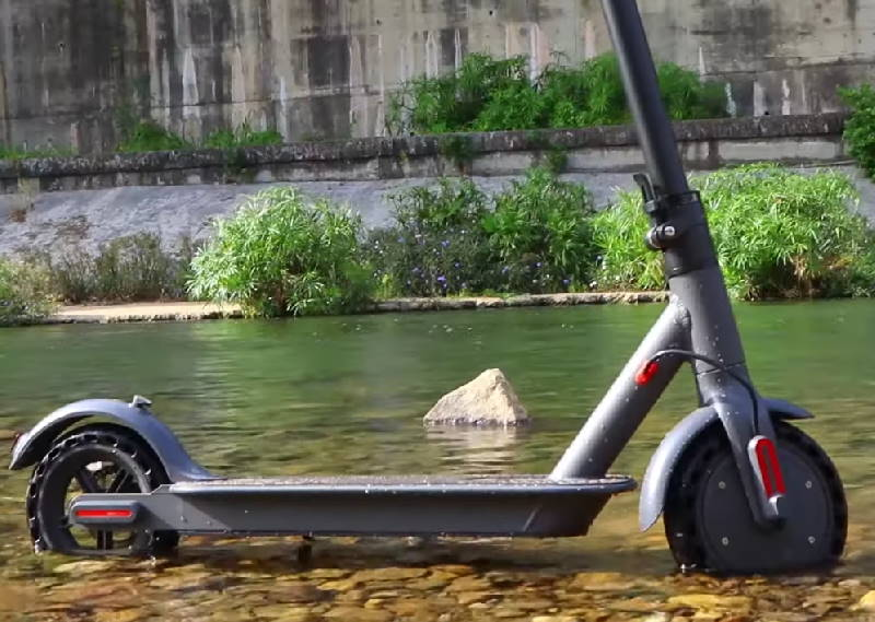 the Aovo Pro in water