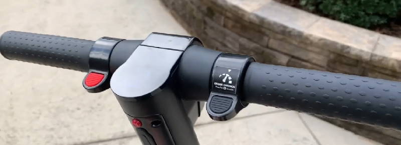 handlebars and controls of the GoTrax G2