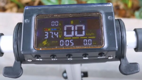 LCD display screen of Kugoo S1 Pro electric scooter