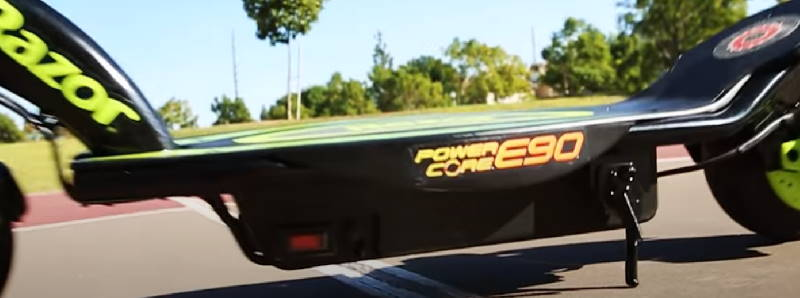 the deck of the Razor Power Core E90 with the logo