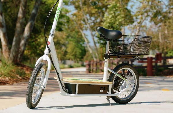 side view of Razor EcoSmart electric scooter with seat and a trunk