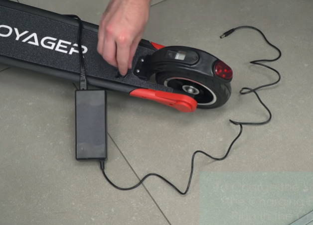 charging the Voyager Ion
