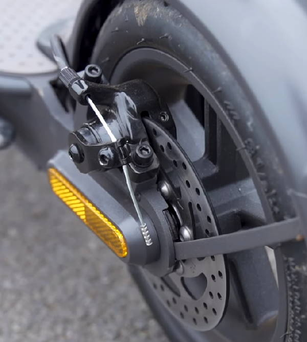 disk brake on the rear wheel of the Xiaomi 1S